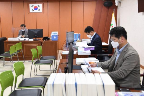 영주 2-2020년 회계연도 결산검사 모습 (1).JPG
